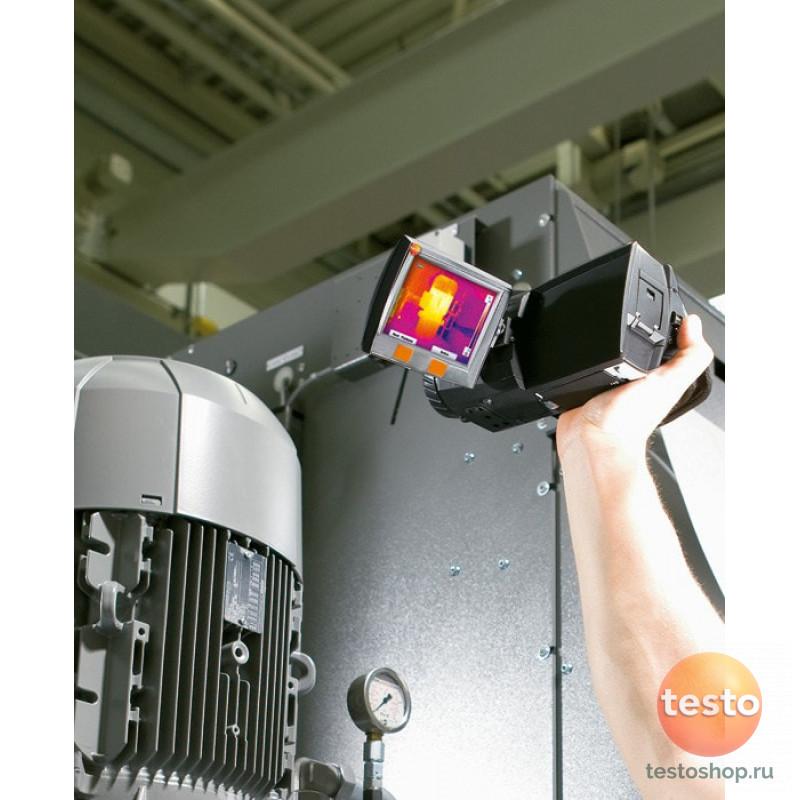 Тепловизор с NETD < 80 мК и большим поворотным дисплеем Testo 876